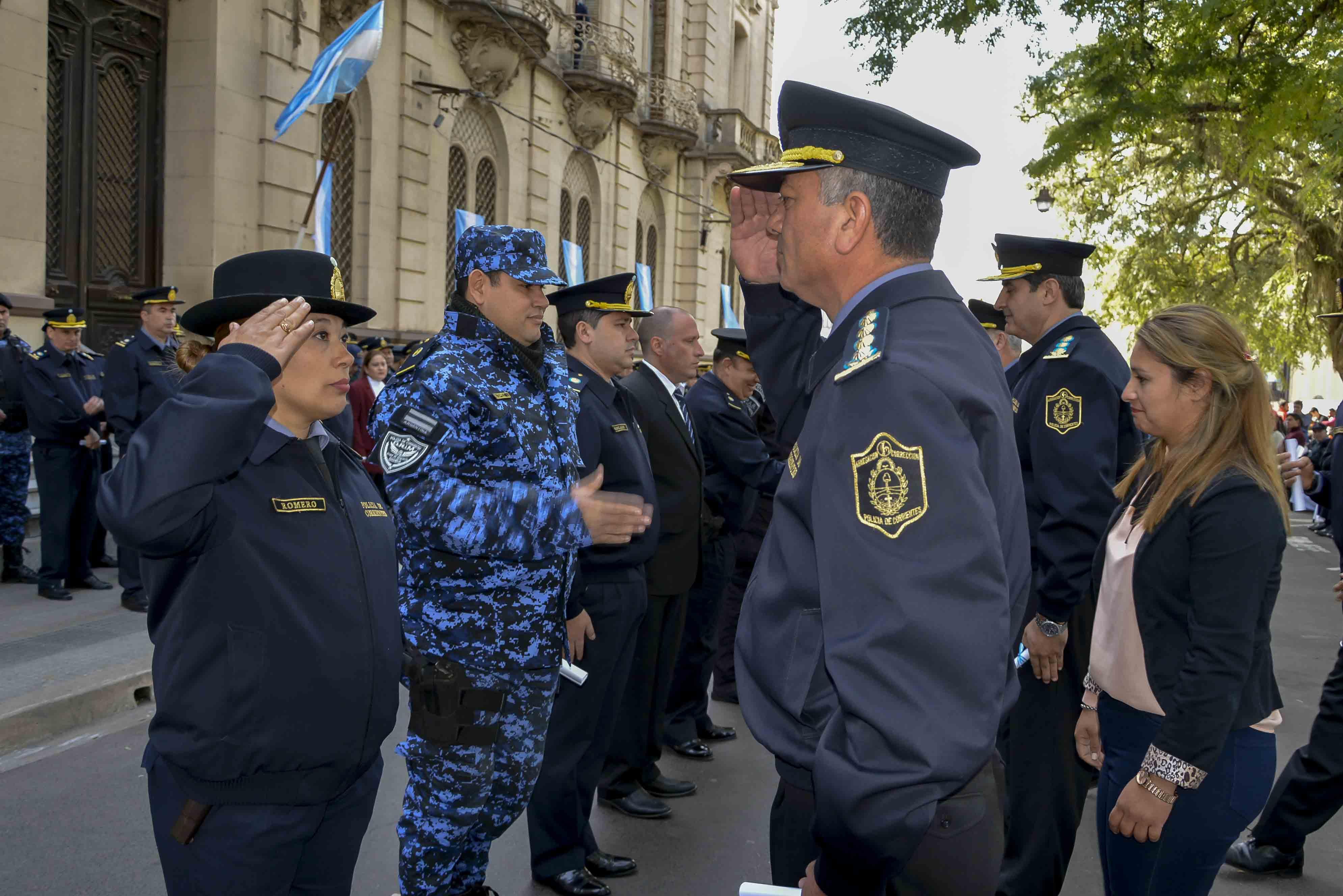 Se oficializó el ascenso de más de 600 efectivos policiales