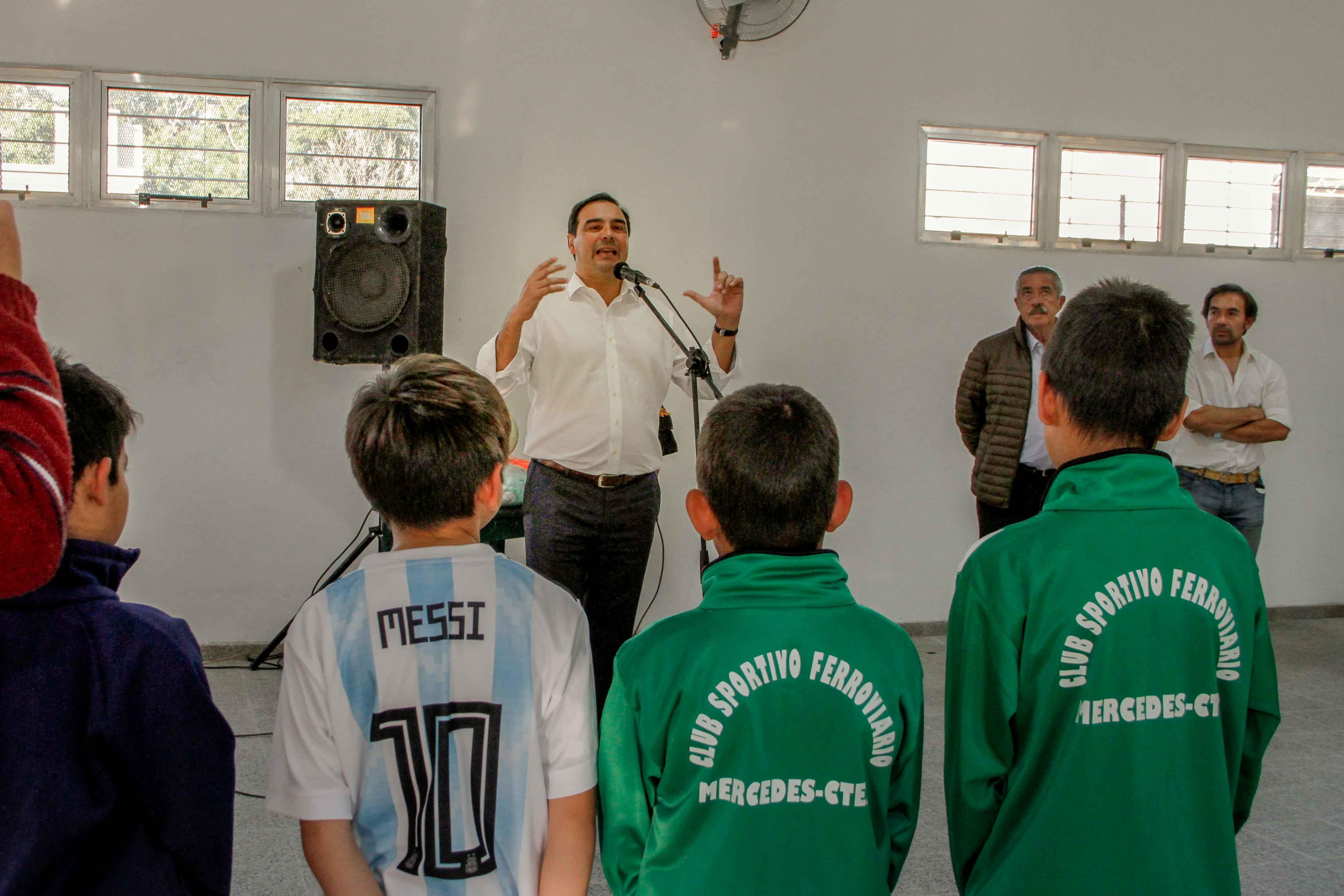 Gustavo Valdés inauguró obras que Modernizan el Club Ferroviario