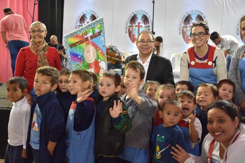 La Feria del Libro Itinerante abrió sus puertas en el barrio Molina Punta