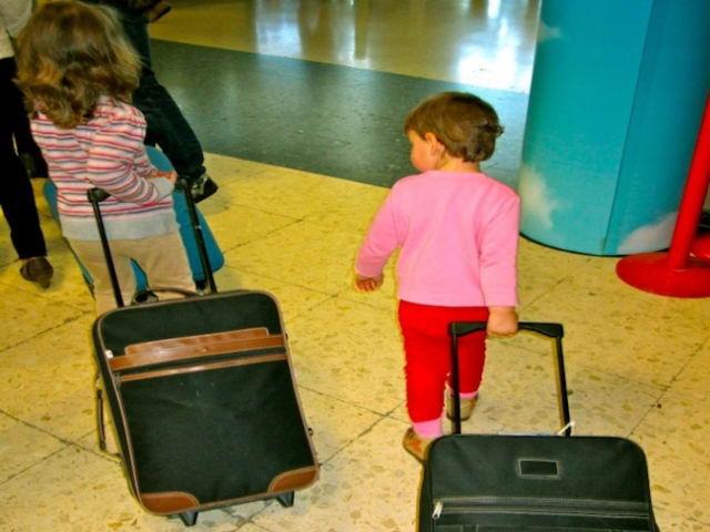 Informe sobre autorizaciones de viajes a menores