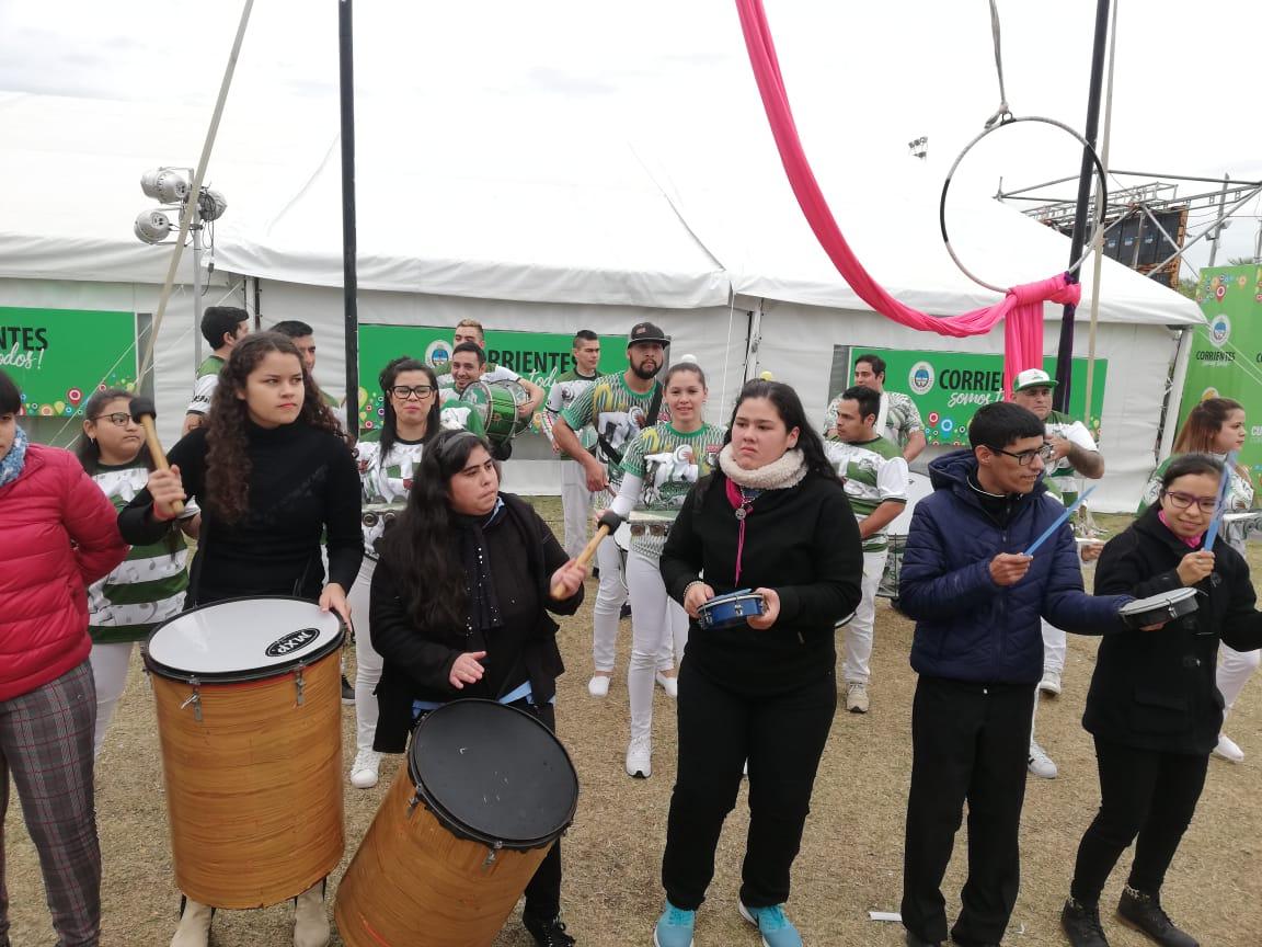 Murga y carnaval en el cierre de la Feria Provincial del Libro
