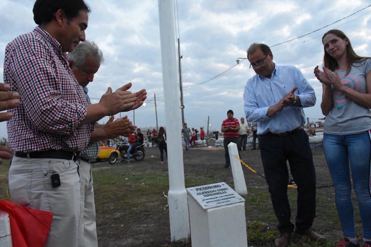 Tassano homenajeó a Alfredo Simonelli, creador del Auto Club Corrientes