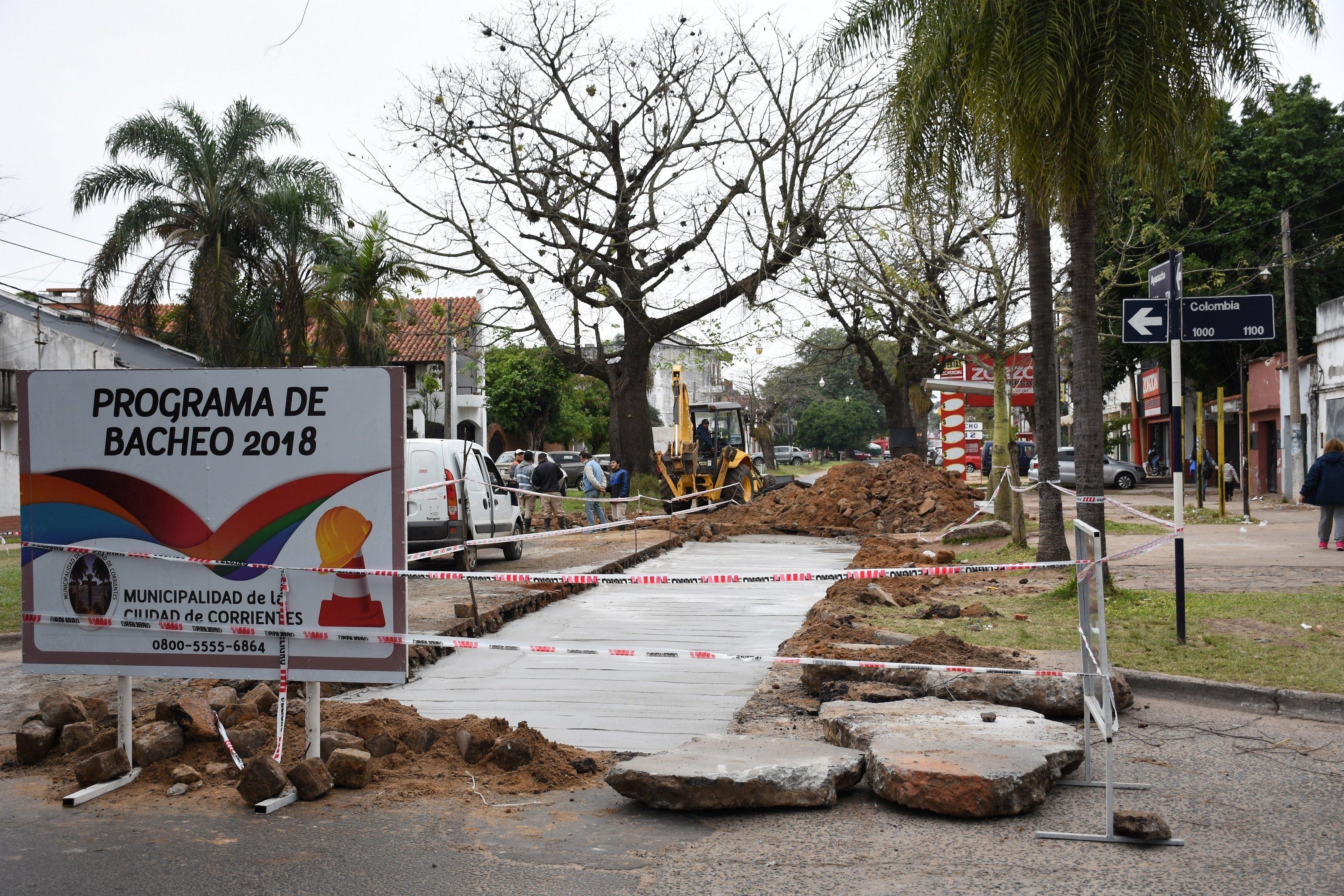 La Municipalidad continúa con el plan integral de bacheos en distintos puntos de la ciudad