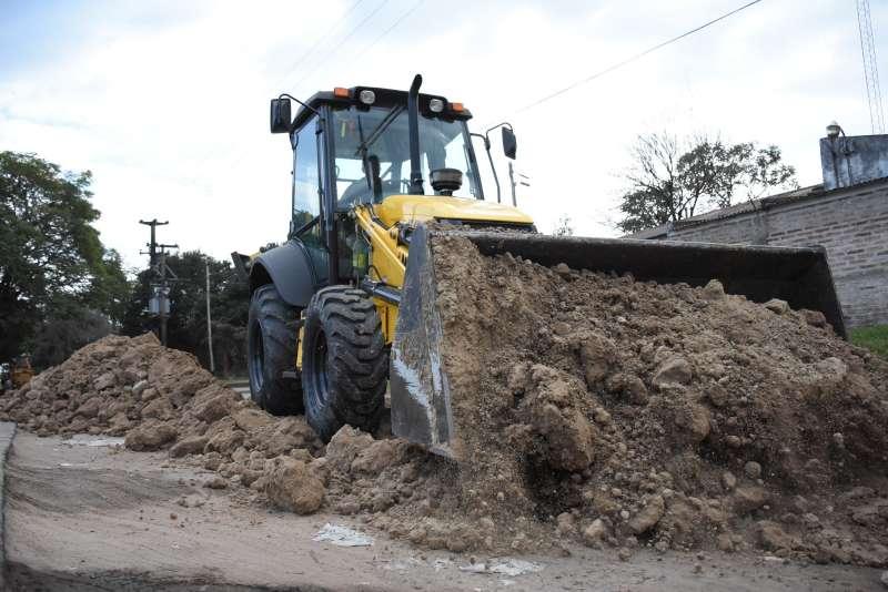 Avanzan las obras de recuperación de calles de tierra en diferentes barrios