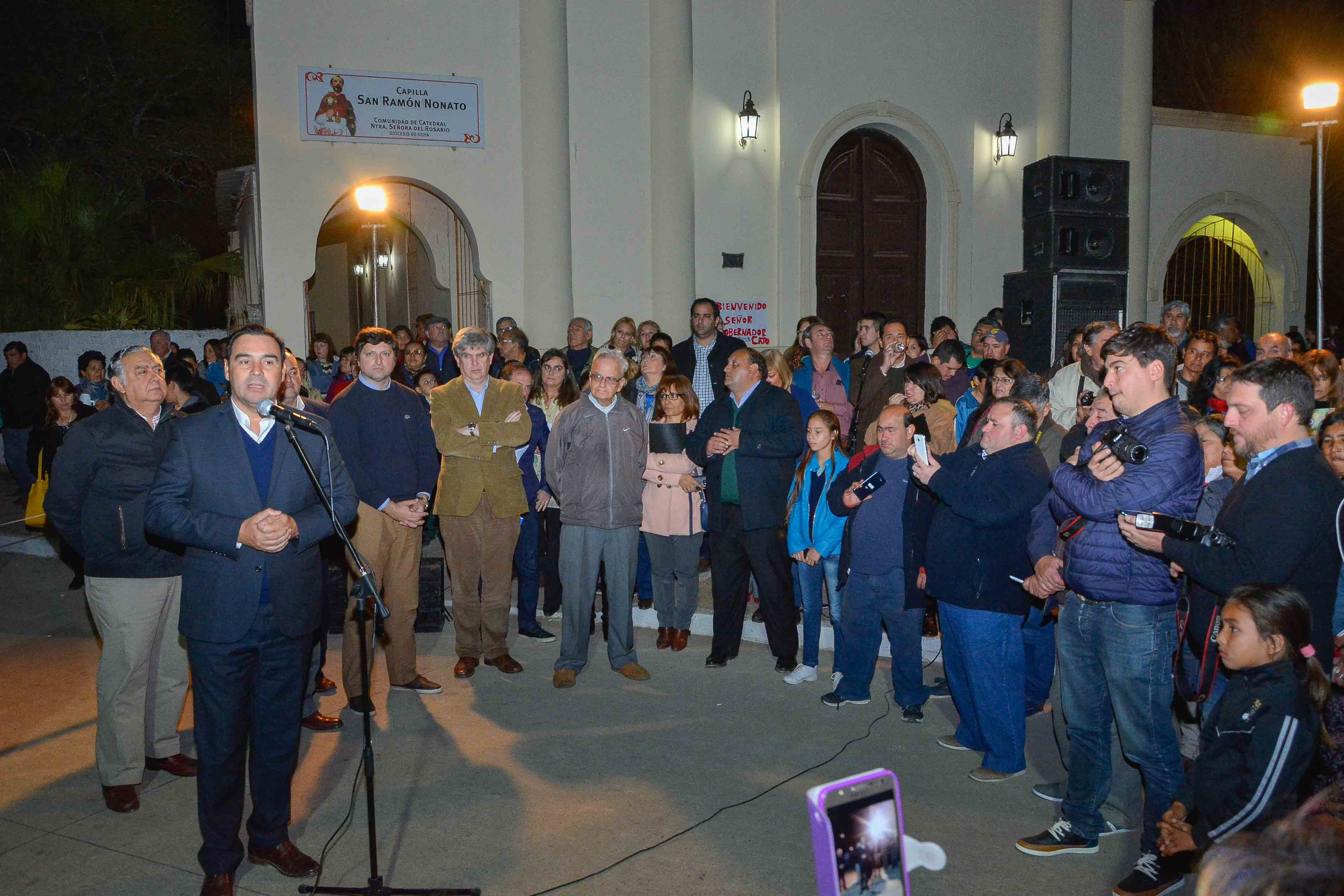 Valdés inauguró obras sobre la calle Piragine Niveyro