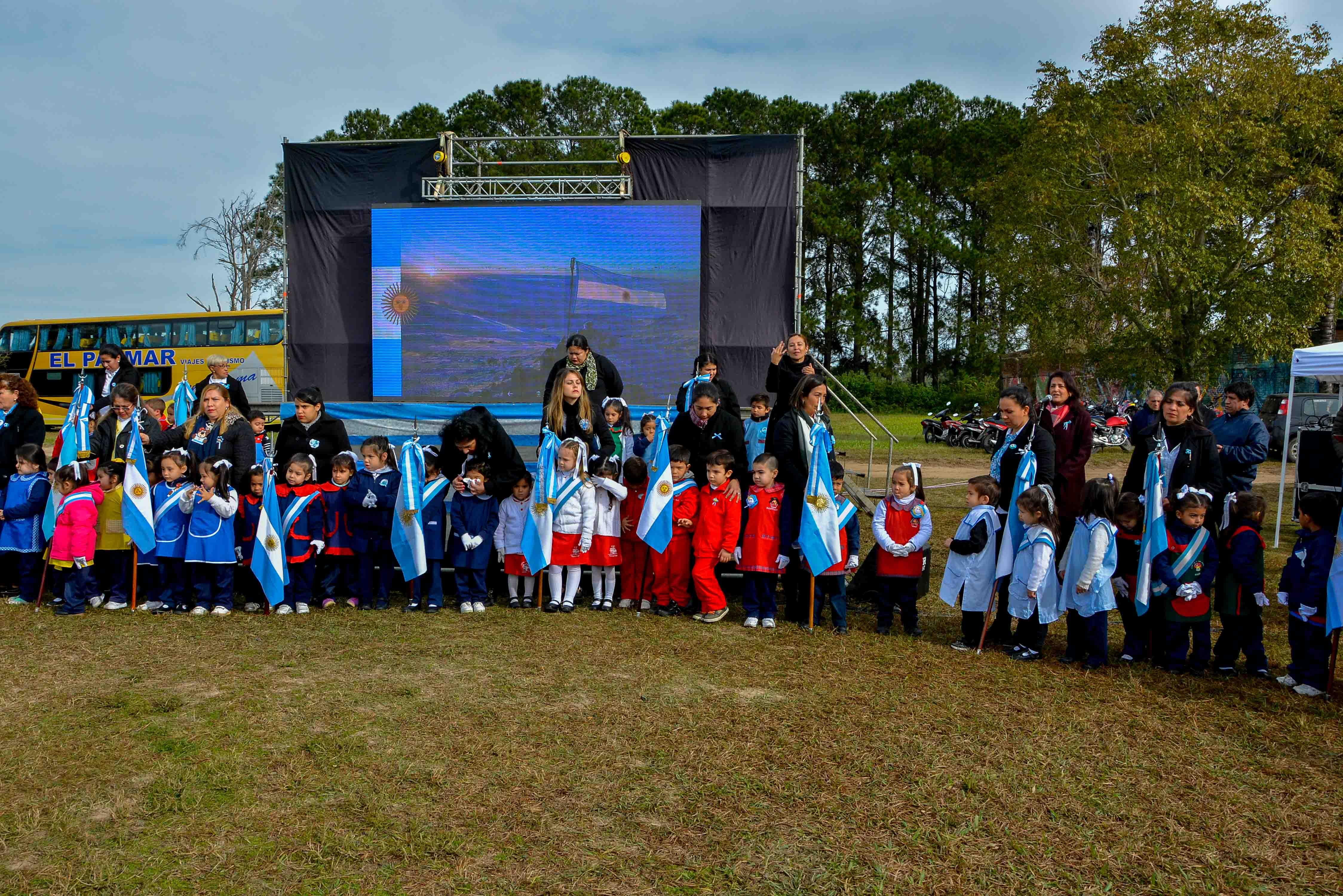 CDI: centenares de infantes celebraron el Día de la Independencia