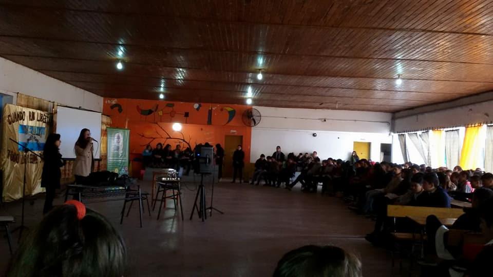 El Consejo Provincial de la Mujer, realizando charlas-debates en Colegios