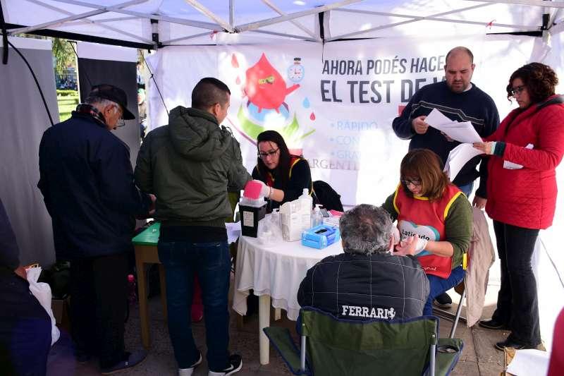 Nueva jornada de prevención con testeos y consejería sobre HIV en la plaza Vera