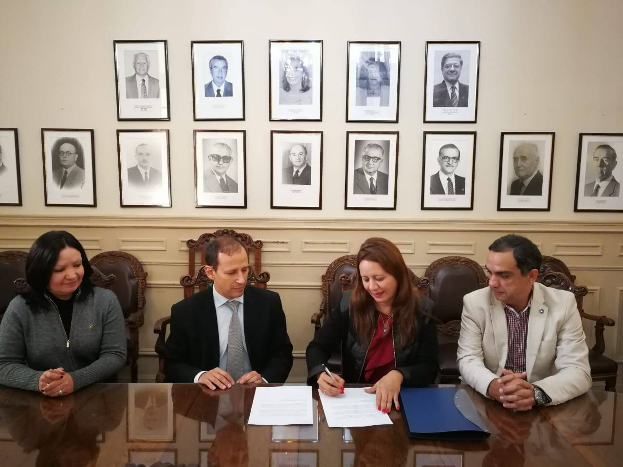 La Defensoría del Pueblo y el Colegio de Escribanos firmaron convenio de cooperación