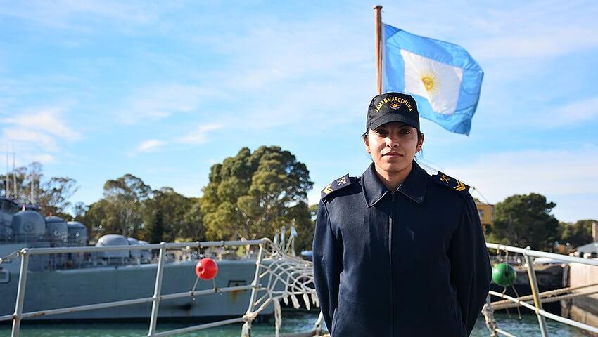 """""""La Armada es una oportunidad para crecer profesionalmente y como persona"""""""