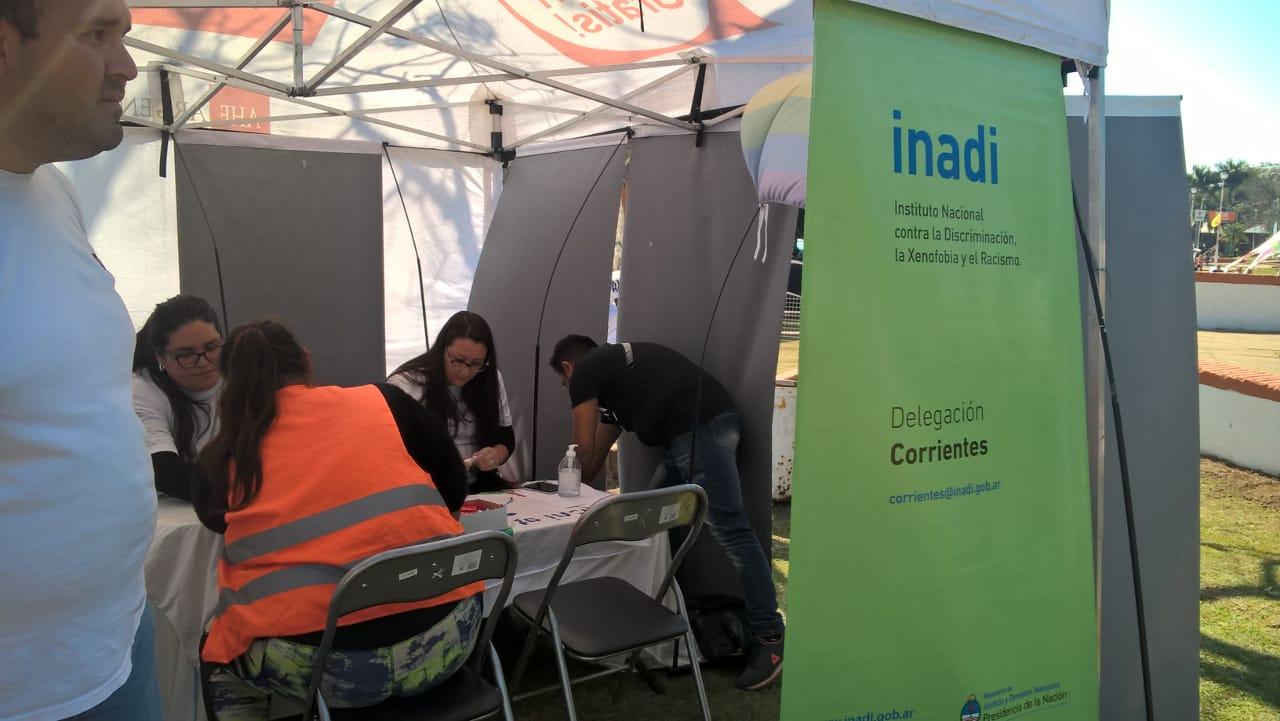 VIH: realizan testeos gratuitos en la Fiesta del Dorado