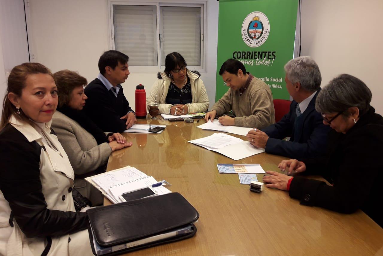 Carreras del Instituto Llano realizarán sus prácticas   en centros de la dirección de niñez