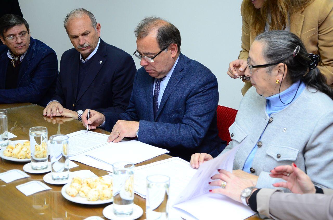 SAPS municipales trabajarán con la Facultad de Odontología para tratar casos de alta complejidad