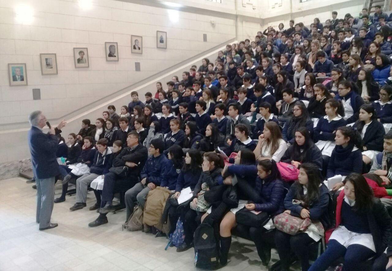 Salud Pública lleva adelante asesorías para adolescentes en los colegios de la provincia