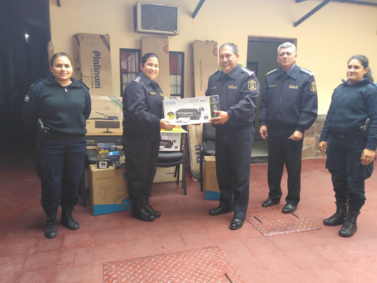 Se realizó la entrega de equipamientos para la oficina de la mujer y el menor