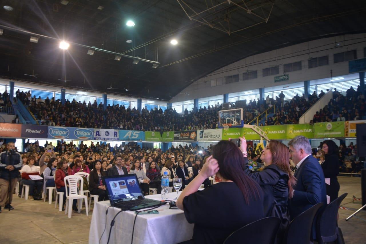 """Unos 7 mil docentes participaron del taller """"La educación transformada"""""""