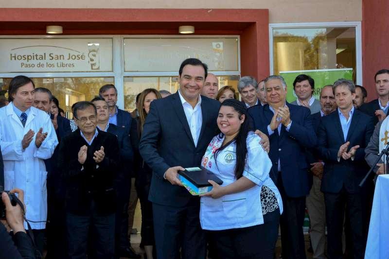 El gobernador Valdés encabezó la inauguración  de la Terapia Intensiva del hospital de Libres