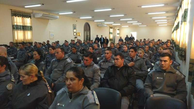 Desde este martes, formadores de policías de todo el país se capacitan en Corrientes