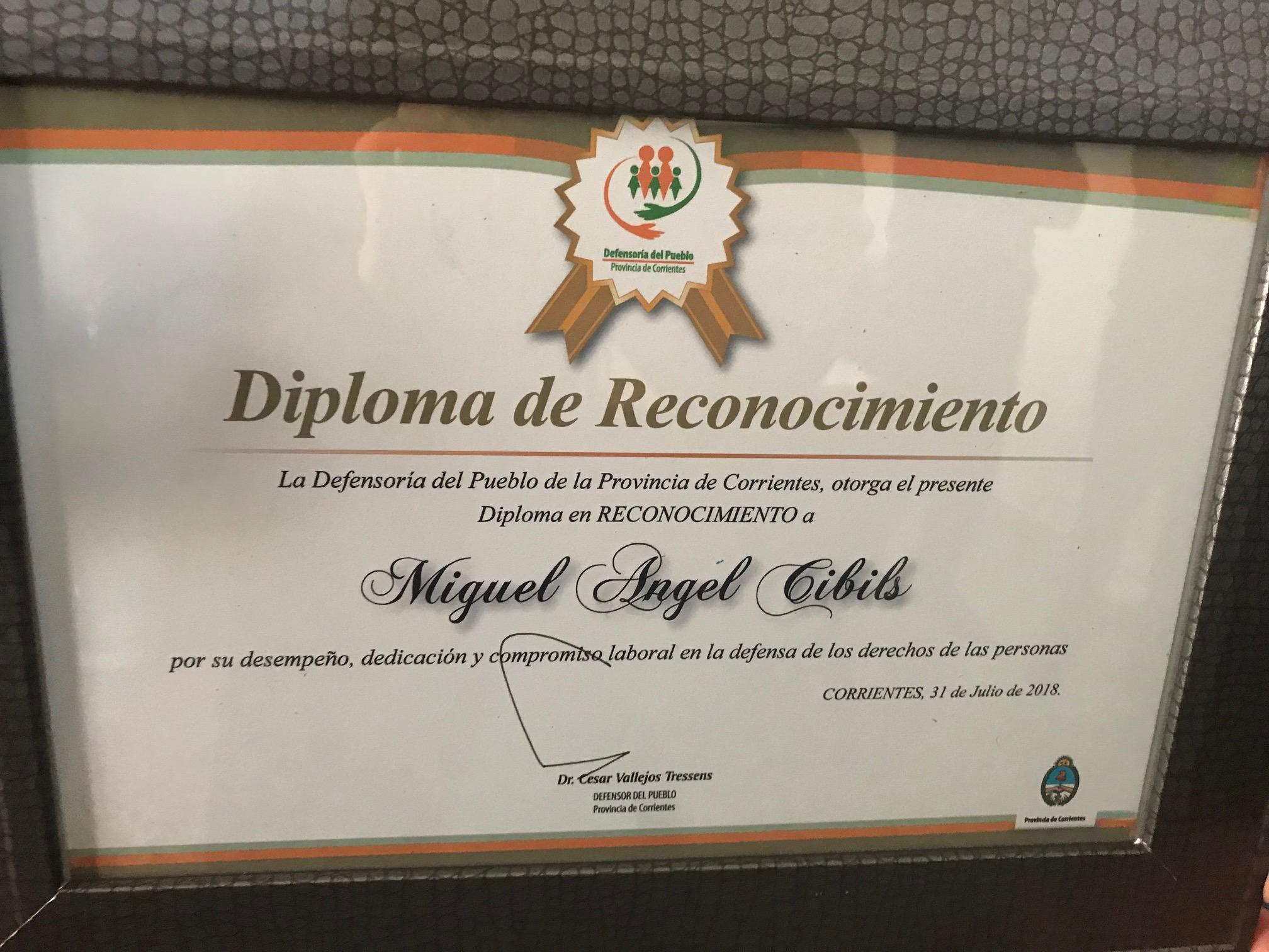 Agasajaron a Miguel Cibils, primer jubilado desde el inicio de actividades de la Defensoría del Pueblo