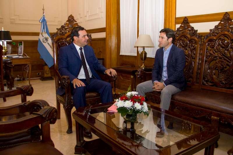 Valdés mantuvo una positiva reunión con el director Ejecutivo de la EBY