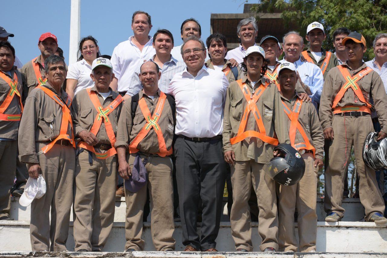 Tassano entregó herramientas y elementos de seguridad a trabajadores de Higiene Urbana