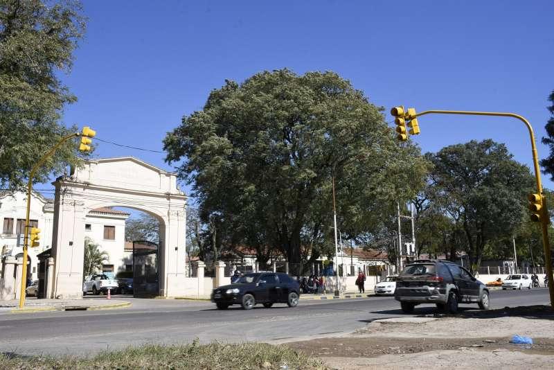 Nuevo sistema de semaforización en el acceso al hospital Llano