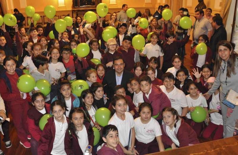 Valdés ratificó la importancia de la educación como motor fundamental de la democracia
