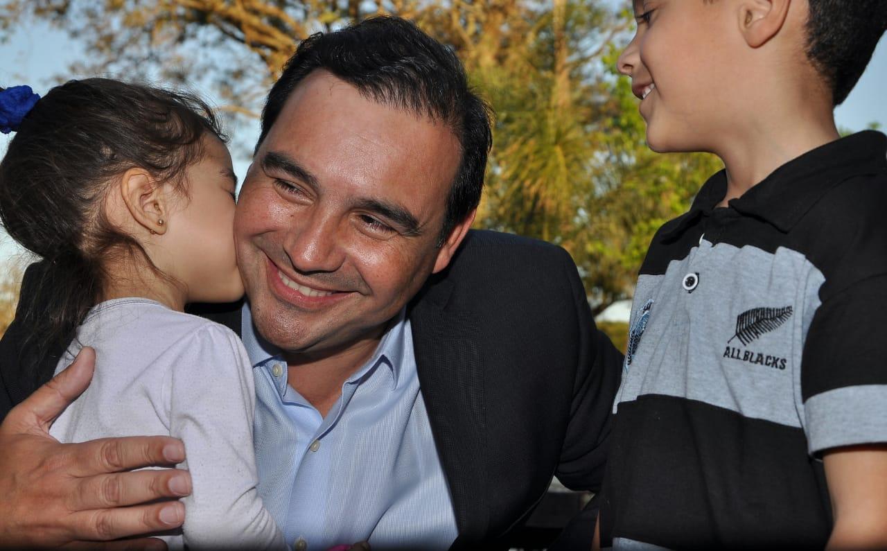 """""""De la crisis se sale con trabajo"""", sostuvo Valdés en la Fiesta del Agricultor"""
