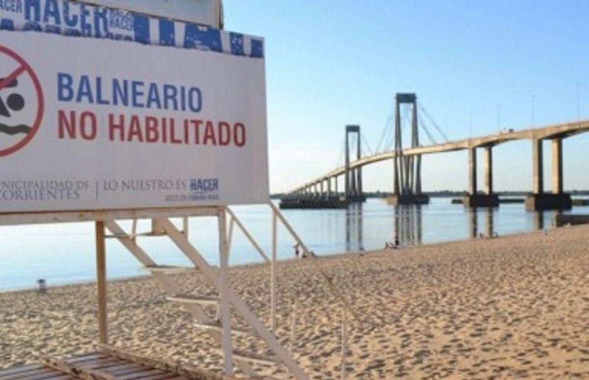 Guardavidas rescatan a cuatro jóvenes que cayeron al Paraná