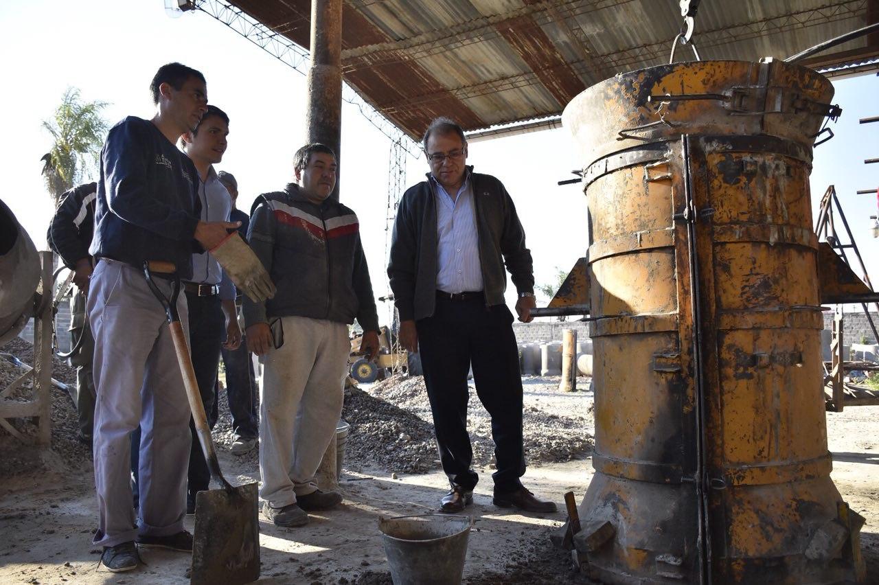 Se reactivó la fábrica deadoquines y caños para potenciar obras en la ciudad