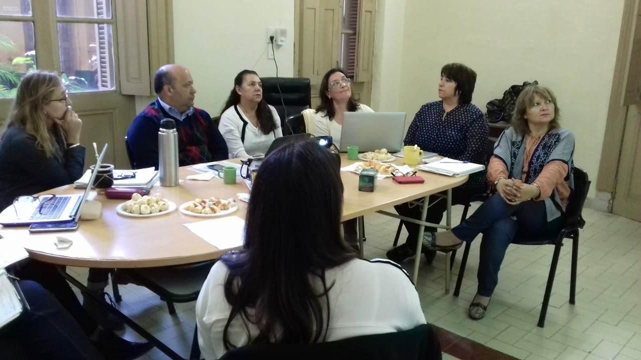 Mesa de trabajo con coordinadora y referentes de  apoyo pedagógico a las escuelas