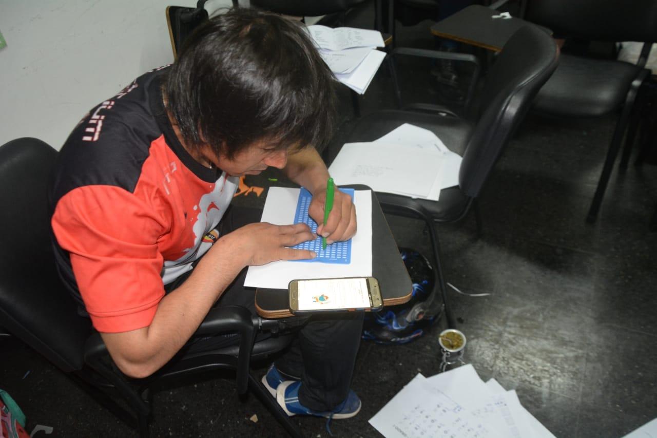 Más de 100 docentes de capital participaron del curso de lectura y escritura en sistema braille