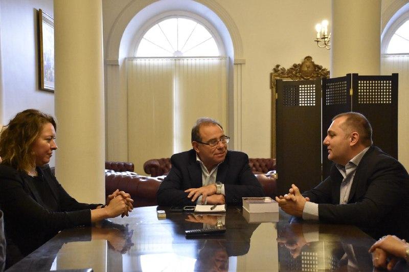 Firma de convenio con el Instituto Moisés Lebensohn para la capacitación de funcionarios municipales