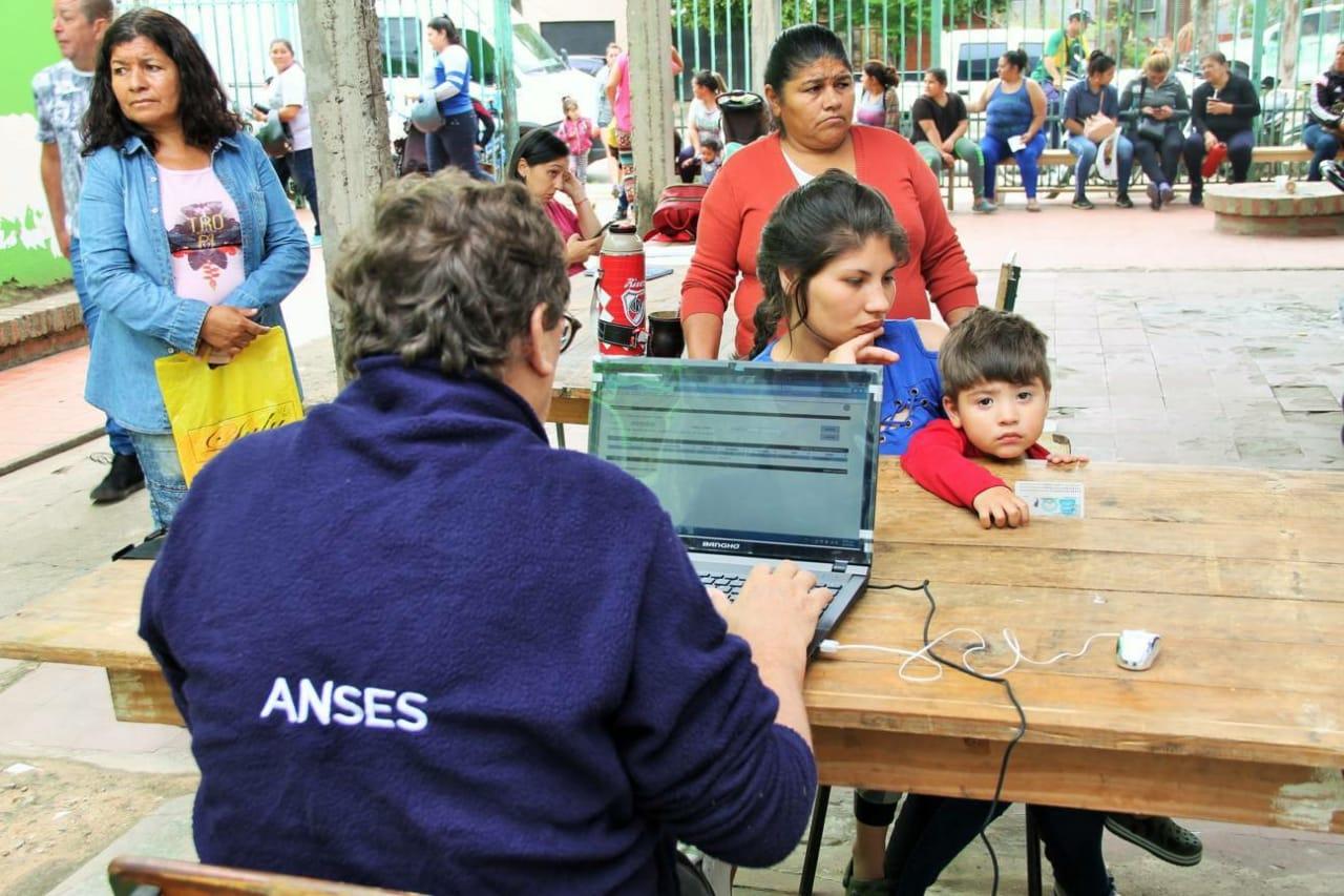 El programa  Anses en tu comedor presente en el Barrio Pío X