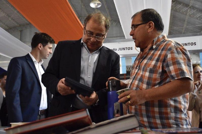 Tassano inauguró la 4º Feria Itinerante del Libro en las Mil Viviendas