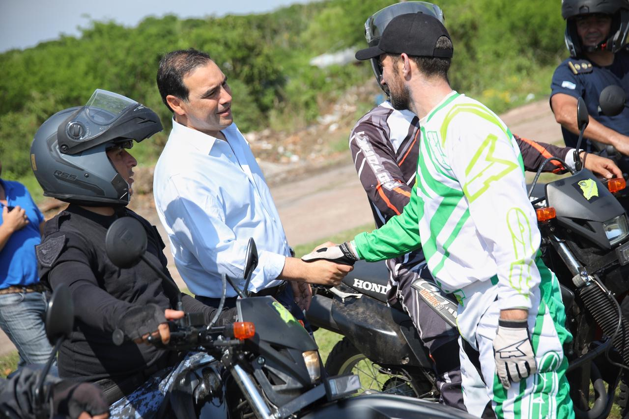 Valdés recorrió predio policial y obras de ripio en la periferia de la Ciudad