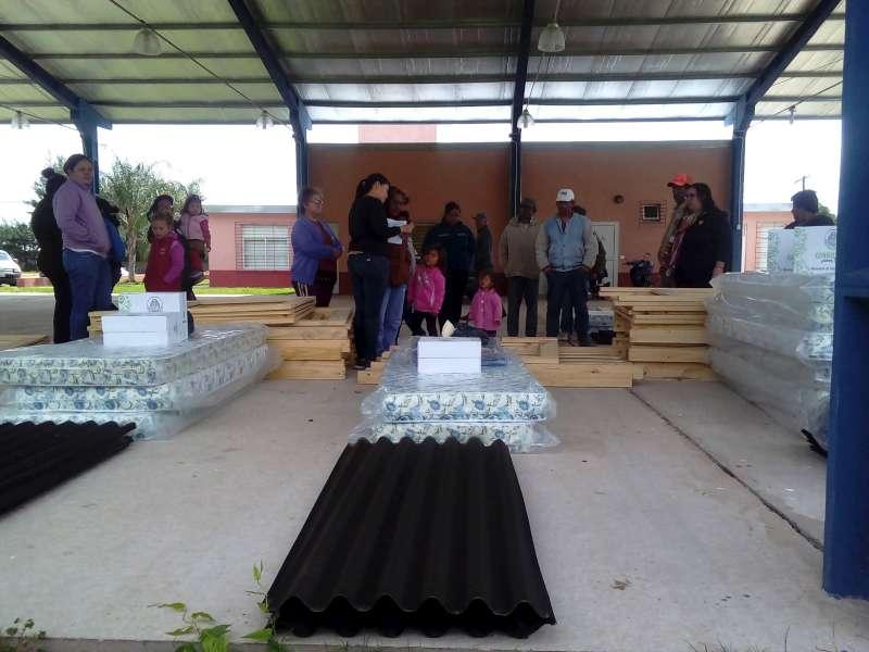 Desarrollo Social entregó recursos en Colonia 3 de Abril