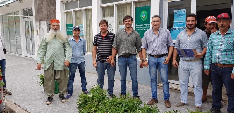 Cortinas Forestales: continúa la entrega de plantines en Bella Vista, Tres de Abril y Santa Lucía