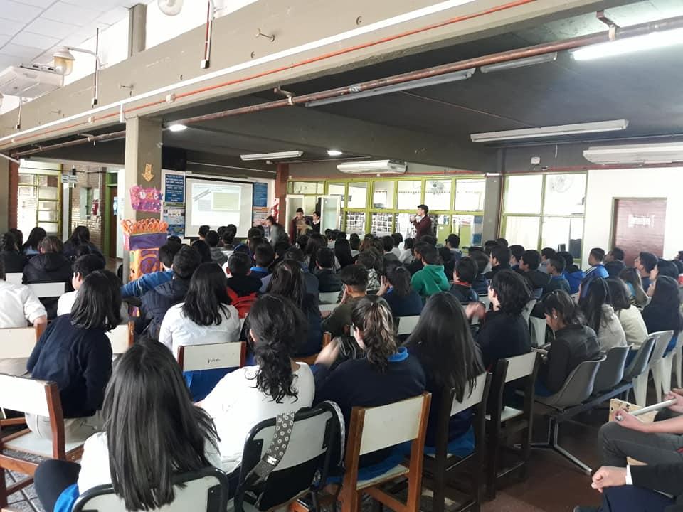 Cerca de 1.000 niños y adolescentes participaron en charlas sobre adicciones