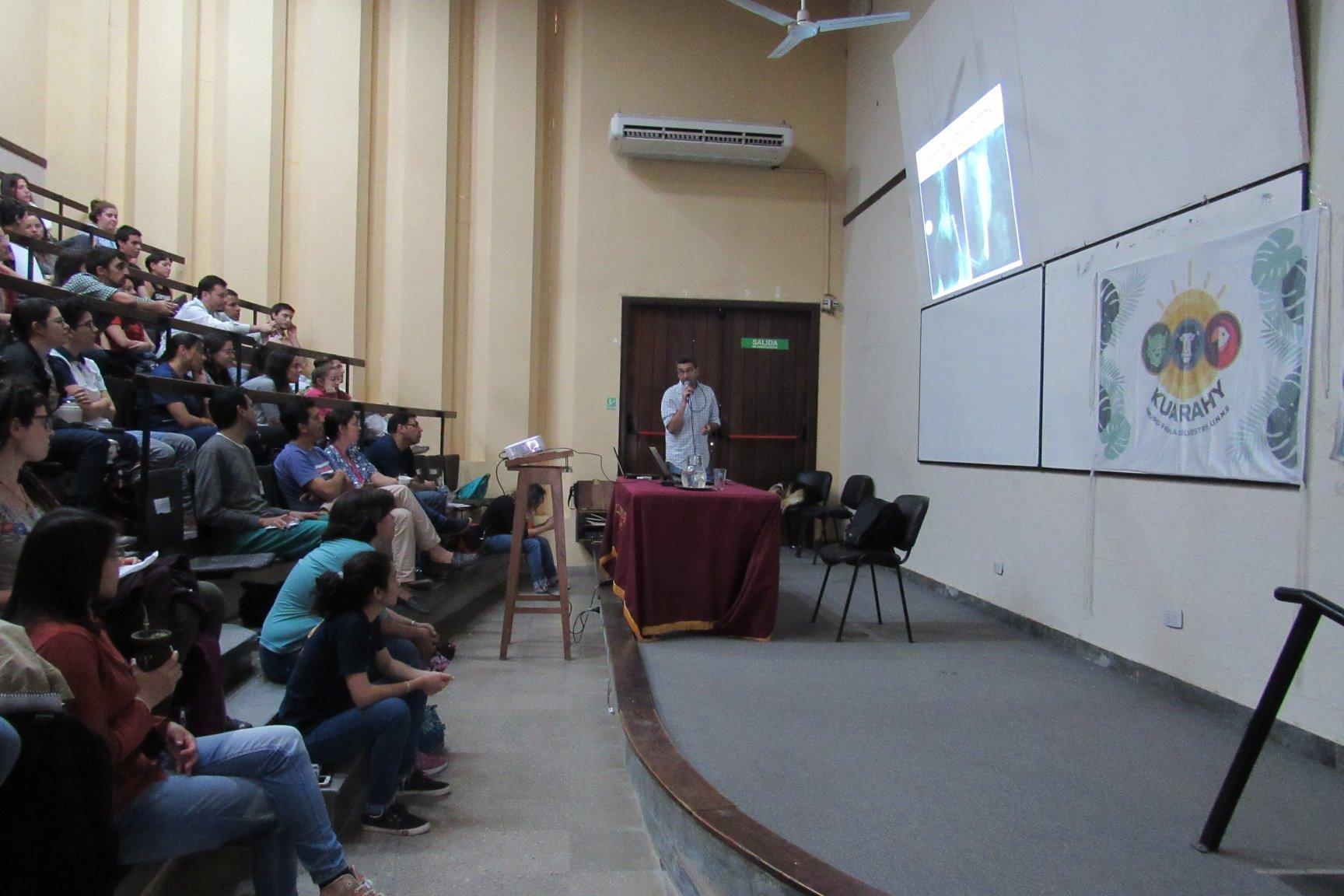 Disertantes extranjeros expusieron sobre medicina, monitoreo y conservación de la Fauna Silvestre