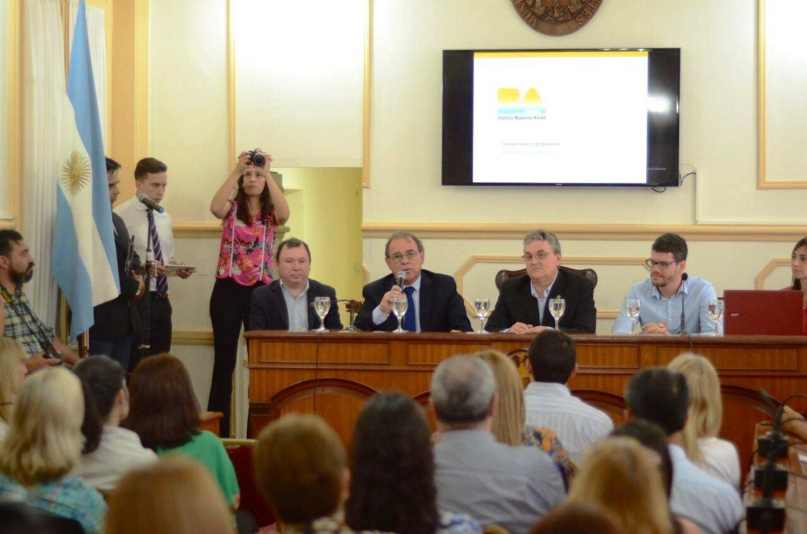 Un paso más hacia la modernización, capacitaciones en políticas públicas