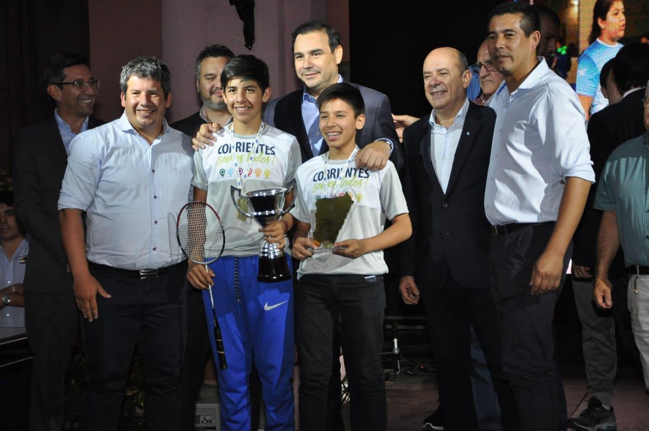 Valdés recibió a los atletas correntinos que participaron en los Juegos  Evita