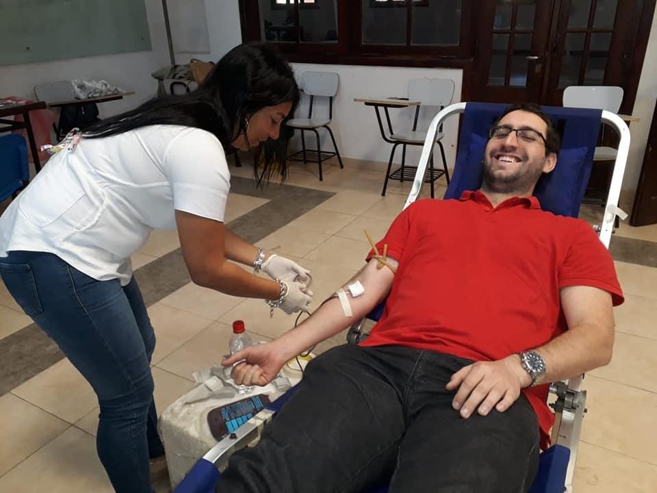 Hoy se donó sangre en el Colegio Yapeyú y mañana se realizará una colecta en Yofre