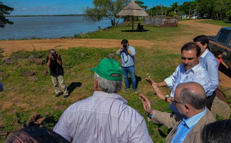 Emblemática visita del canciller Faurie junto al Gobernador Valdés a la isla Apipé