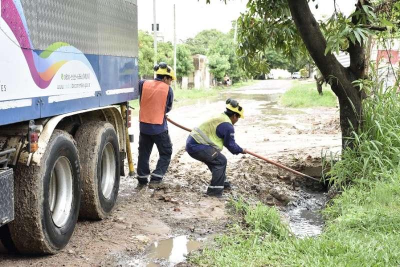 La Municipalidad continúa la tarea de limpieza en diferentes barrios