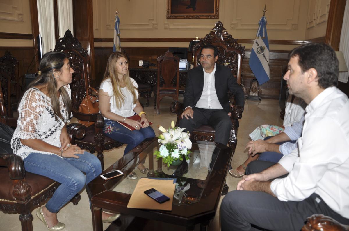 Valdés recibió a las autoridades electas del Comité Capital de la UCR