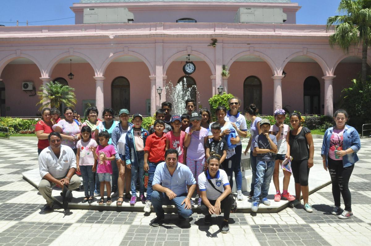 Gustavo Valdés recibió a los alumnos de las escuelas N°615, N°616, N°532