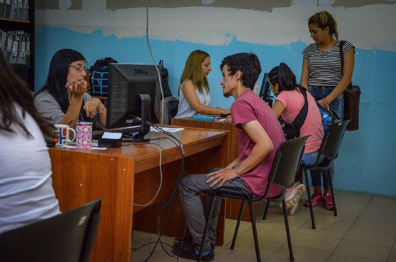 Masiva concurrencia para inscribirse a cursos de introducción al trabajo en la Oficina de Empleo Municipal