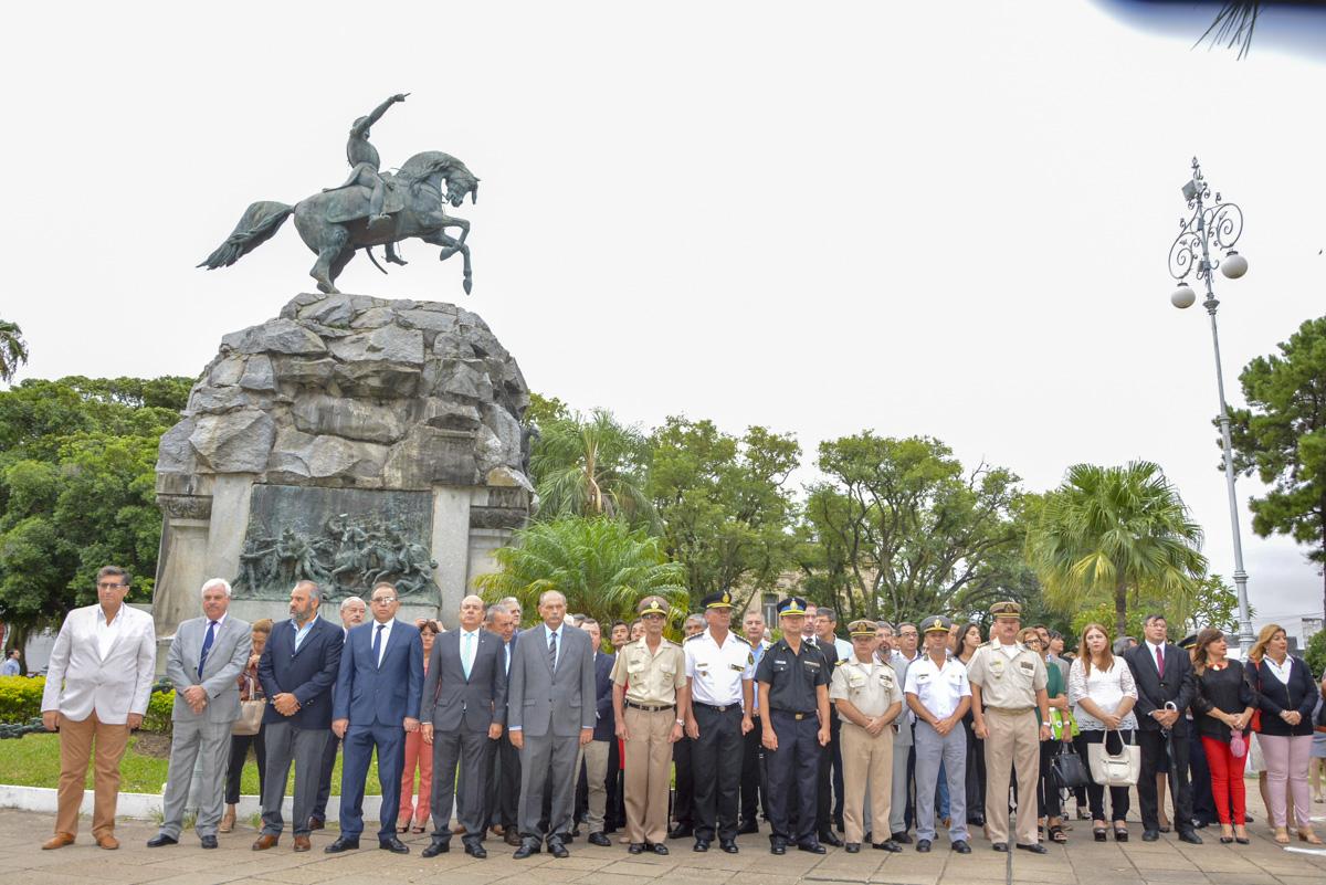 Canteros y funcionarios provinciales participaron del acto por el natalicio del General San Martín en Capital