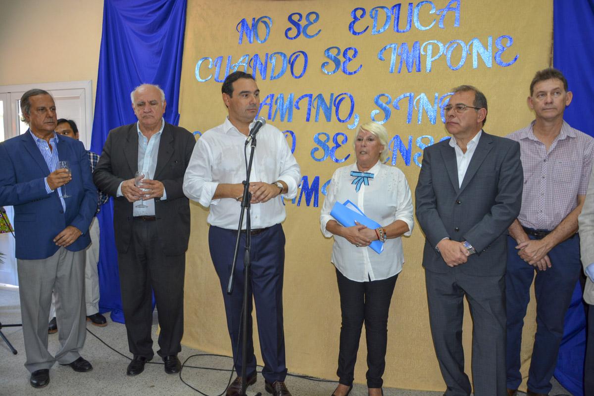 """Valdés reinauguró dos jardines maternales """"apuntando a mejorar la calidad de vida de la gente"""""""